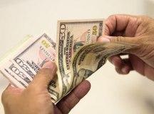 Dólar sobe 1,92% e Ibovespa cai 2,75% com ameaça à regra do teto de gastos
