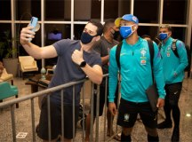 Após desembarcar em Manaus, seleção brasileira ganha folga nesta segunda