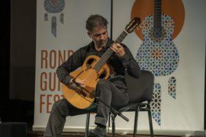 El guitarrista Manuel de la Luz.
