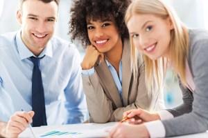¿Cómo se puede atraer una fuerza laboral diversa?