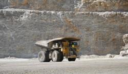 """""""Programa de Aprendices"""" de Minera Los Pelambres capacita a vecinos como operadores mina"""