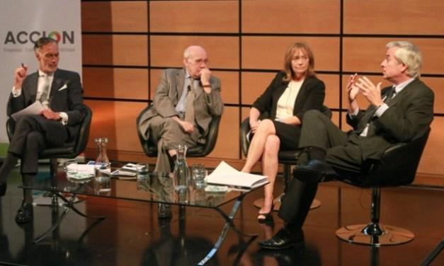 Encuentro de Reportabilidad 2014 de Acción reunió a destacado panel de expertos