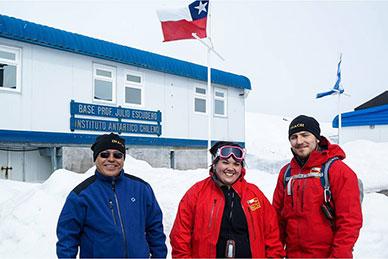 Científicos de la Universidad de Santiago inician estudio sobre calentamiento global en la Antártica