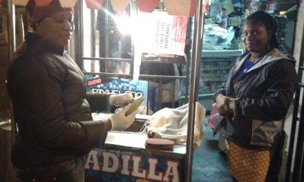 Haitiana encuentra un lugar en Chile a través de su comida nacional. Por: José Gaspar de la Fuente L. @jgdelafuentel
