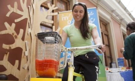 """""""Juguera a pedales"""" que promueve vida sana se presentó en encuentro de Fundación Arcor Chile"""