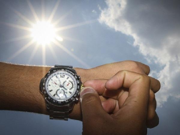 """Experto señala: """"Cambio de horario no genera ahorro energético y es perjudicial para las personas"""""""