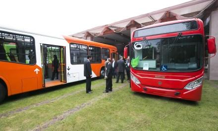 Scania presenta primera flota interconectada sustentable para Transantiago