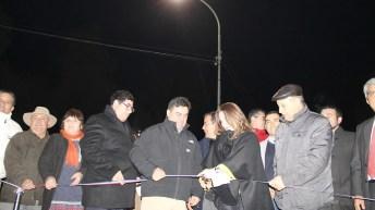 Autoridades inauguran alumbrado público eficiente en San Esteban