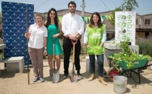 Fundación Mi Parque y Absolut donan más de 10.000 plantas a distintas comunas de Santiago