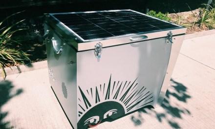 ¿Te imaginas enfriar bebidas y alimentos con energía solar?, Conoce el innovador cooler autosustentable hecho en Chile