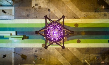 Estructura artística con inspiración sustentable ilumina las noches del renovado Paseo Bandera