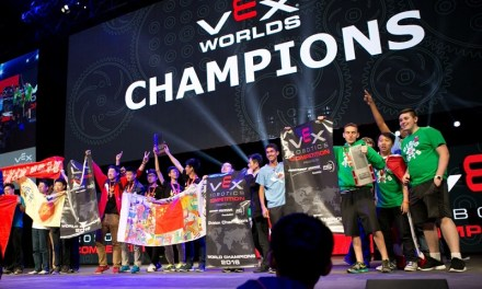 La difícil tarea de conseguir recursos para viajar al Campeonato Mundial de Robótica VEX