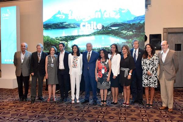 Autoridades y líderes privados acuerdan reforzar el trabajo conjunto para promover la Marca Chile
