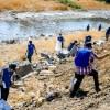 2 toneladas de basura se recolectaron en actividad de limpieza del rio Mapocho