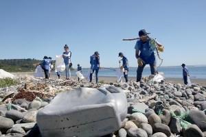 Cerveza Corona busca voluntarios para limpiar el río Mapocho en Lollapalooza