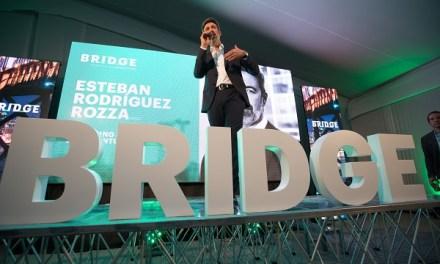 Accenture lanza Bridge, centro de innovación abierta que busca unir grandes empresas ystartupsen Chile