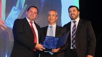 Esval recibe premio de Asiva por su aporte distinguido a la sociedad