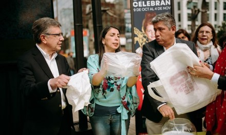 8 de cada diez chilenos aseguran estar de acuerdo con ley que prohíbe la entrega de bolsas plásticas en el comercio