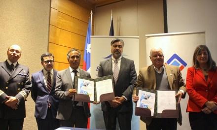 """Pesca industrial firma acuerdo de """"cero residuos"""" al mar"""