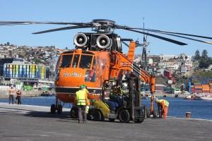 Dos de los helicópteros de combate de incendios más eficientes y grandes del mundo ya están en Chile