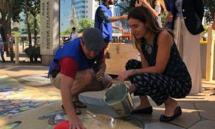 Cerveza Corona y Parley inician limpieza de las playas de Chile a través del programa Voluntarios Por El Océano