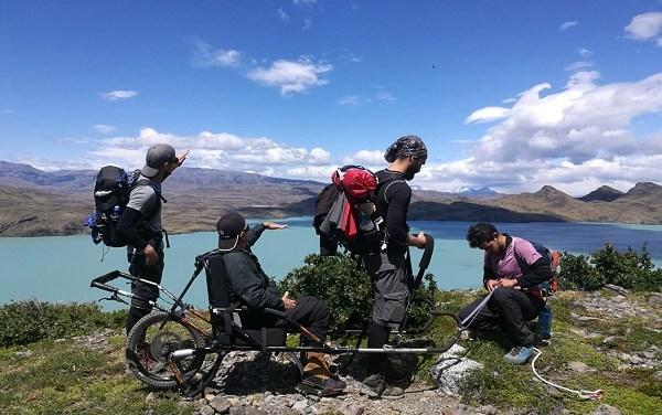 Atleta paralímpico recorrió los senderos de Torres del Paine en silla de ruedas