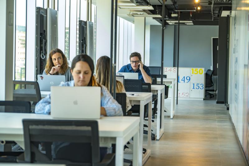Inauguran moderno centro para impulsar desarrollo del emprendimiento en Chile
