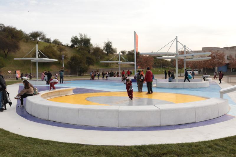Inauguran inédita Plaza Solar y anuncia gratuidad en la entrada del MIM a días del eclipse