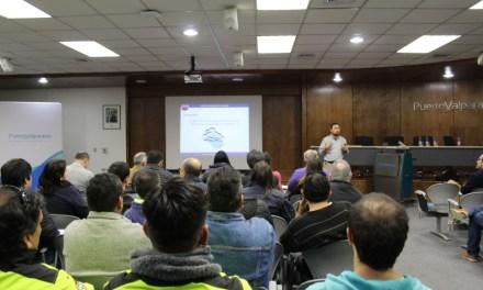 Cuerpo de Bomberos y Puerto Valparaíso encabezan taller sobre manejo de materiales peligrosos