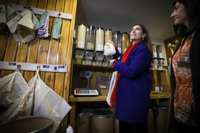 Gobierno hace positivo balance de ley que prohíbe bolsas plásticas y anuncia nuevas medidas para reducir y reciclar envases