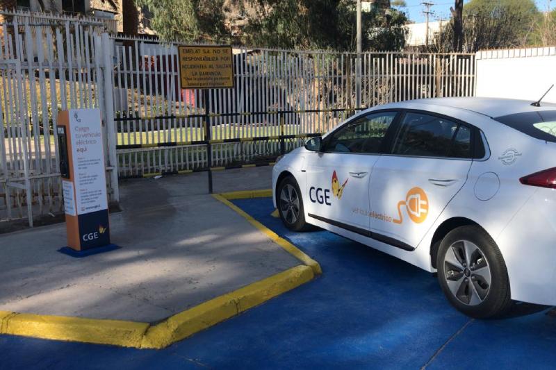 CGE inaugura primer punto de carga para autos eléctricos en la Región de Atacama