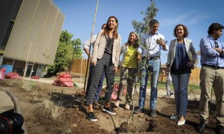 Ministra del Medio Ambiente y  alcalde de La Reina inauguran importante espacio verde financiado con Fondos de Protección Ambiental