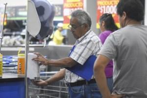 Walmart Chile limita compra de productos de limpieza y refuerza llamado a abastecimiento responsable