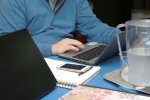 Trabajo a distancia: 5 consejos de IBM para ser productivo sin correr riesgos