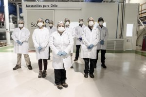 CMPC inicia marcha blanca para producción de mascarillas de distribución gratuita