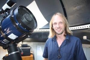 Astrónomo UCN participa en descubrimiento de manchas magnéticas gigantes en estrellas calientes