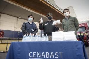 Bomberos de Chile recibe primeras 336 mil mascarillas donadas por CMPC a la Cenabast