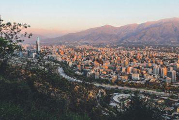 Expertos destacan mejoría en la calidad del aire de Santiago producto del confinamiento