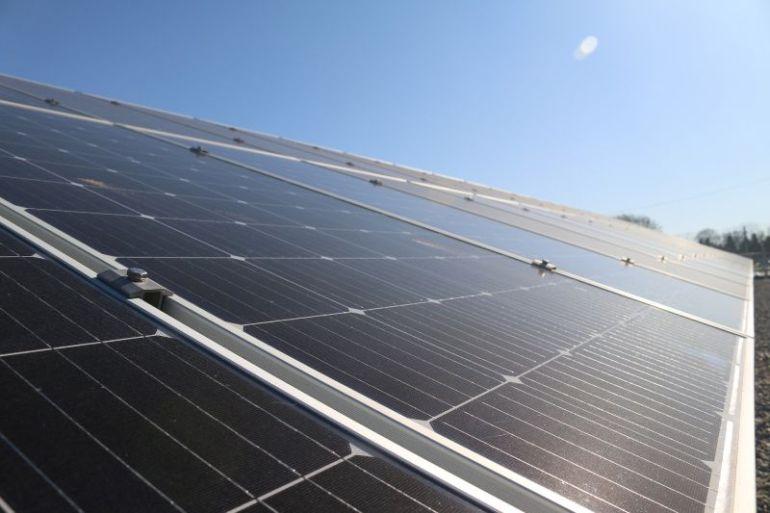 Cleanlight: apoyar la sustentabilidad de industrias como la minería y construcción con torres solares para la generación de energía