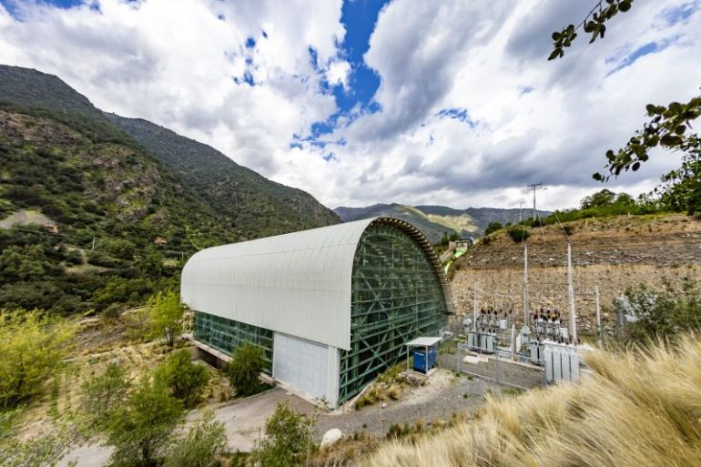 Compañías CIC y Energía Llaima suscriben acuerdo para suministro de energía eléctrica 100% renovable