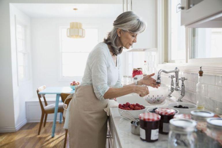 La pandemia podría hacer retroceder a una generación de mujeres en los negocios según Informe de Mastercard