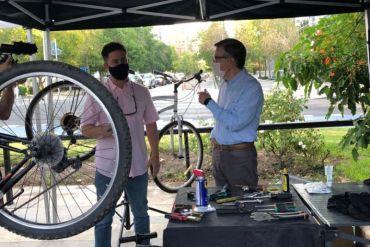 Oxford Store inaugura nuevos puntos de mecánica básica para bicicletas en Las Condes