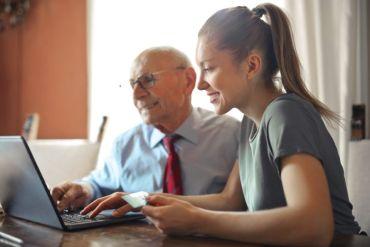EstarBienenCasa lanza ciclo de charlas para personas mayores