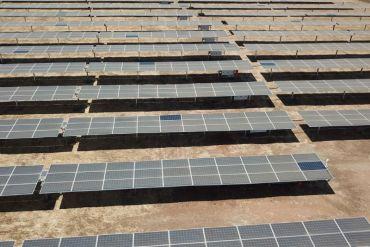 Chile ya logró generar la energía limpia proyectada para 2025 ¿Se debe incrementar la meta?