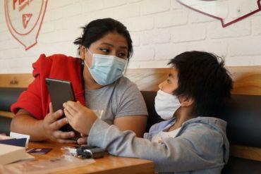 Desafío Play x Chile: 237 tablets y 586 chips de internet se han entregado en diferentes regiones del país