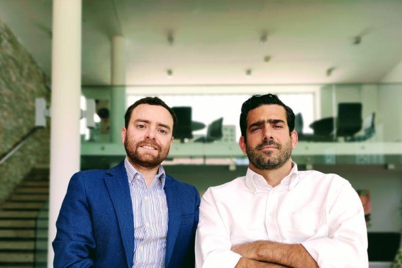 Carlos Andrade De Bonadona, Ingeniero Biomédico y candidato a doctor. Jefe de ingeniería y modelamiento de tejidos en MedX. A la derecha, Javier Urzúa Legarreta, fundador y CEO.