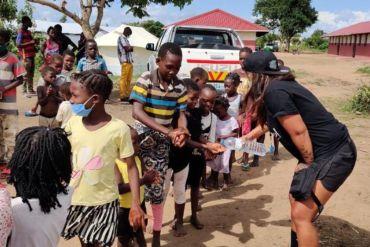 Chilenos en Mozambique: la ayuda social en medio de la emergencia