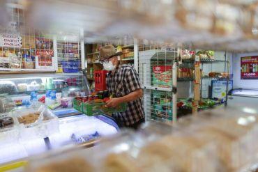 Más de 200 almaceneros se capacitaron para implementar delivery en taller online de Coca-Cola Chile y Academia Emprende de BancoEstado