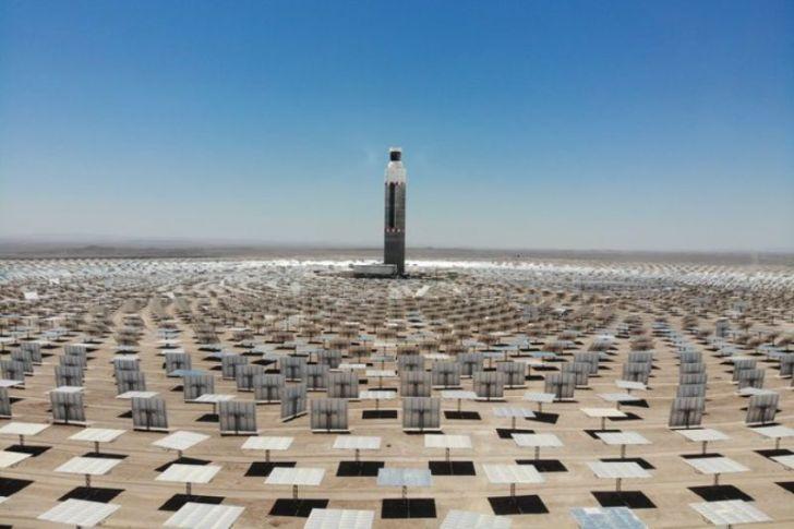 Chile mantiene liderazgo internacional en energías limpias con la inauguración de la primera planta termosolar de América Latina