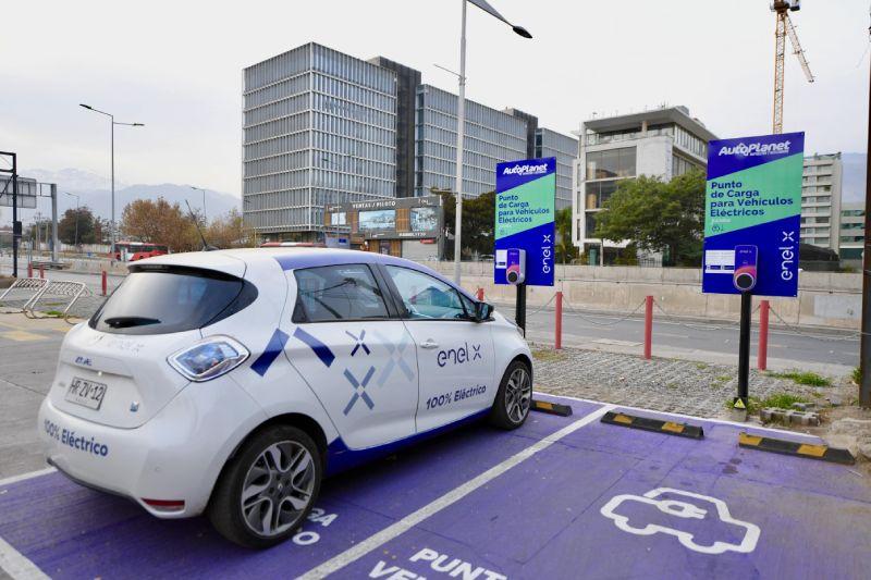 Enel X y Autoplanet inauguraron primeros puntos de carga para vehículos eléctricos de acceso público en el rubro automotriz